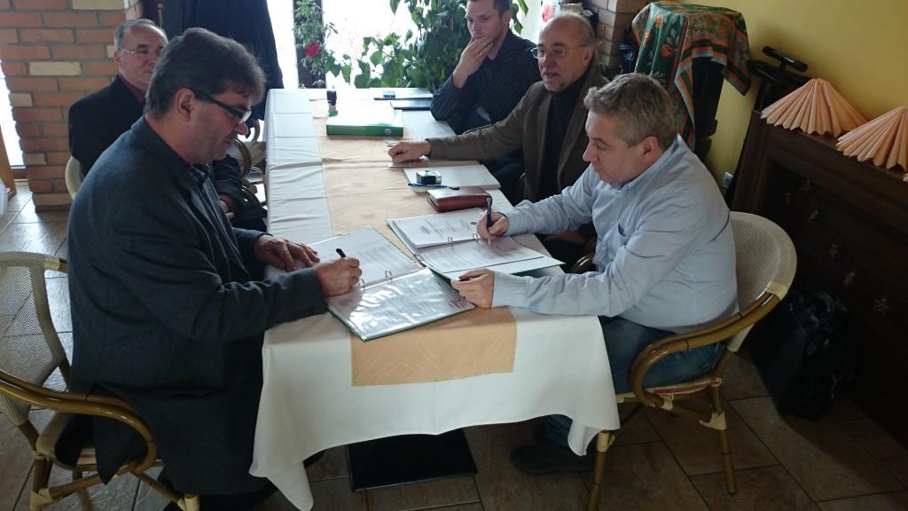 szennyvíz szerződés aláírás02
